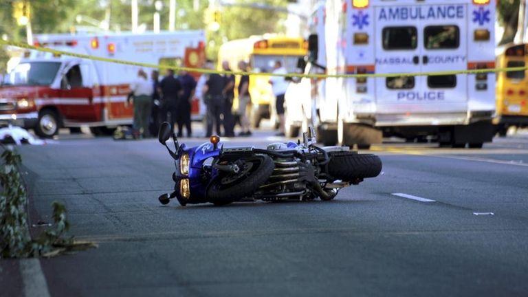 Motorcyclist killed in South Hempstead crash | Newsday