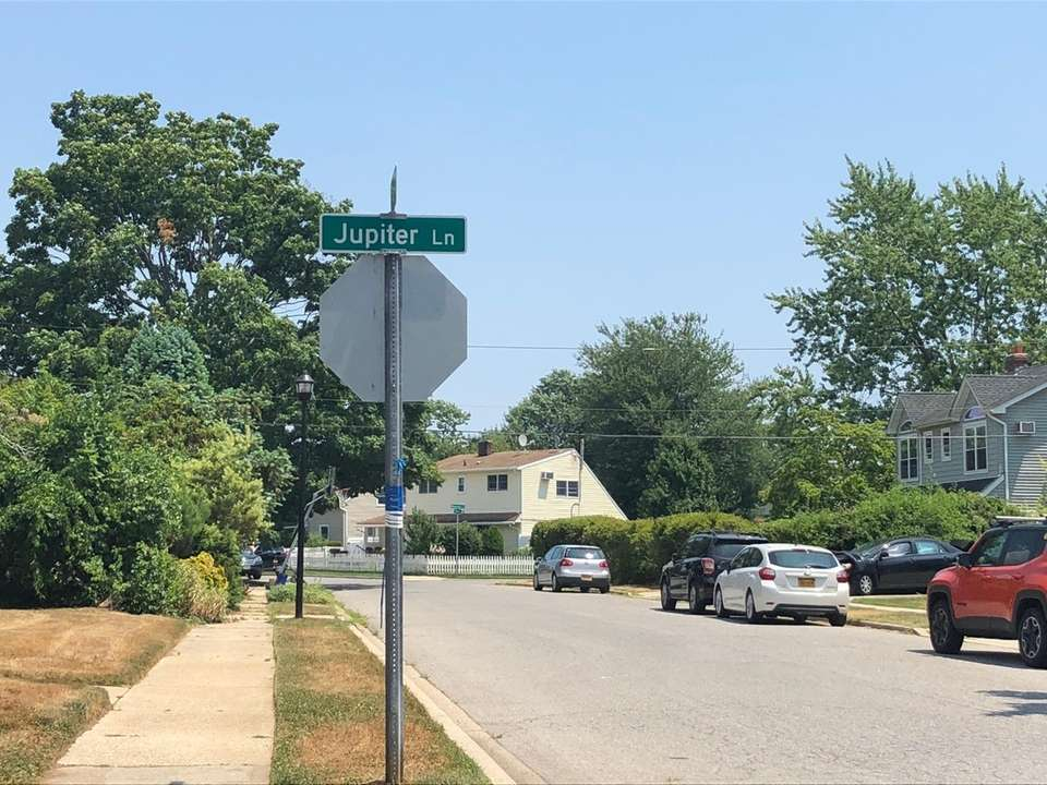 In Levittown, this complex shoots for the stars