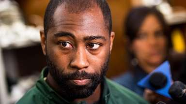 Jets cornerback Darrelle Revis speaks to the media