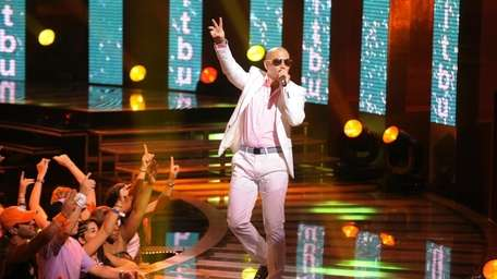 Rapper Pitbull performs onstage at the 2010 Vh1