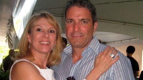 Ramona and Mario Singer renewed their wedding vows