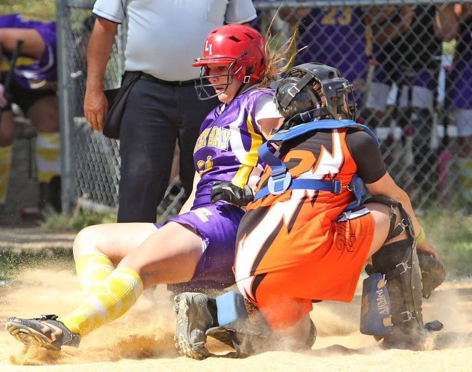Oyster Bay's Kerri Apicella slides in safe at