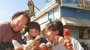 Stu Feldschuh , his son Max and wife,