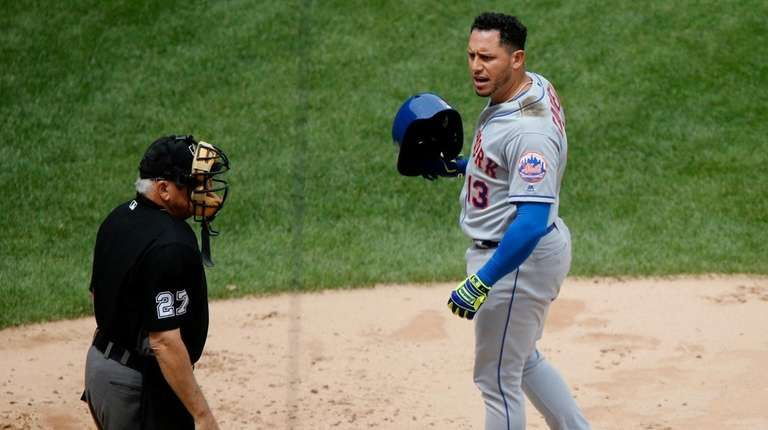 Asdrubal Cabrera of the Mets reacts towards home
