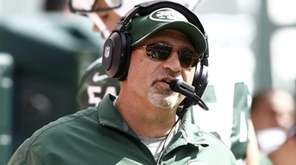 Jets offensive coordinator Tony Sparano coaches during their
