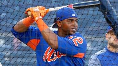 Yoenis Cespedes of the Mets takes batting practice