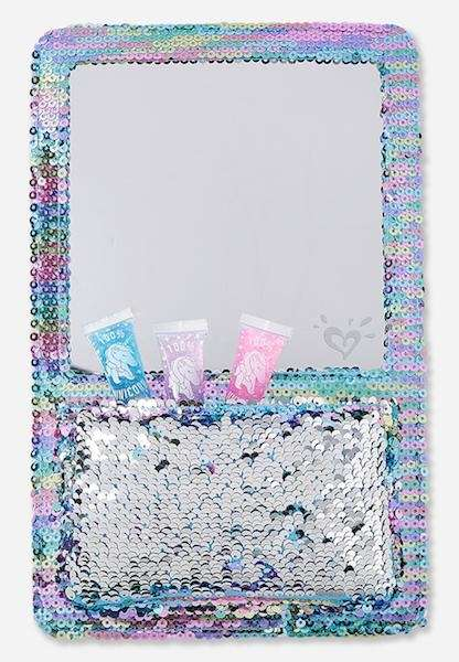Give your locker some bling with this organizer