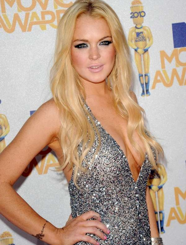 Lindsay Lohan arrives at the 2010 MTV Movie