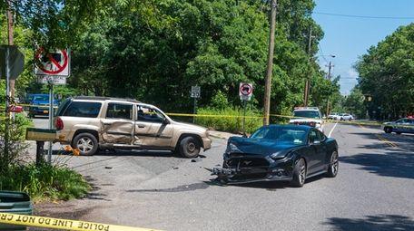 The scene of the crash on Mastic Road