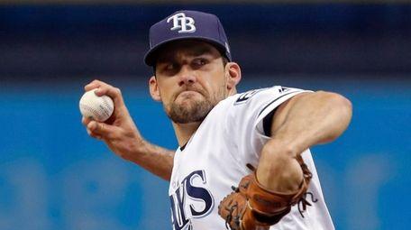 Tampa Bay Rays starting pitcher Nathan Eovaldi throws