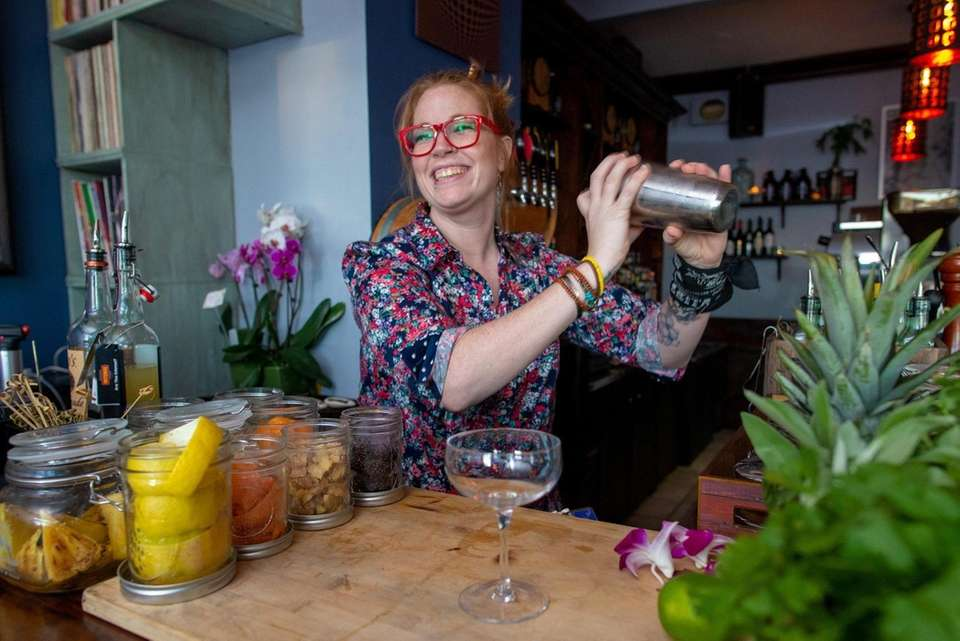 Bartender Tracy Johanna age 36, makes a Cosmo-NOT