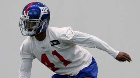 Giants rookie defensive back Sam Beal participates in