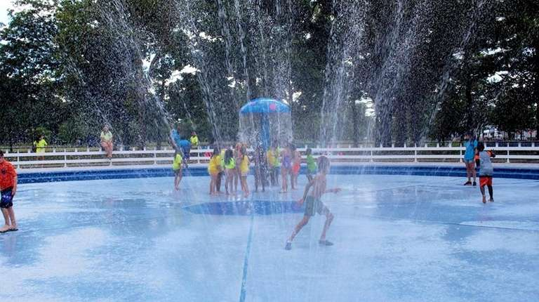 Spray Park Reopens At Eisenhower Park In East Meadow  Newsday-6739