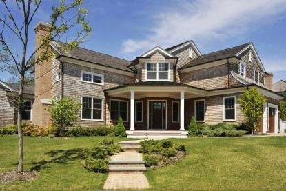 This East Hampton house is on the market