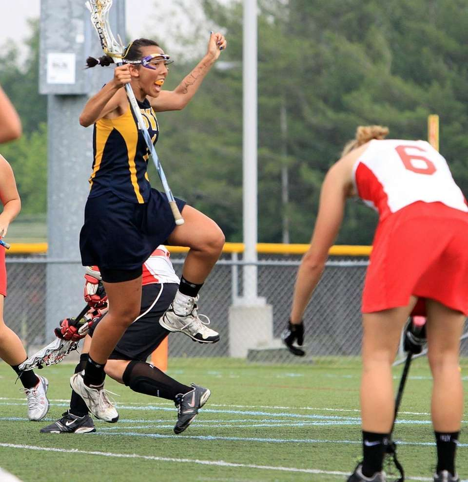 Big goal by Shoreham-Wading River's Chelsey Newman making