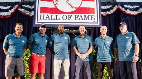 2018 Baseball Hall of Fame inductees gather in