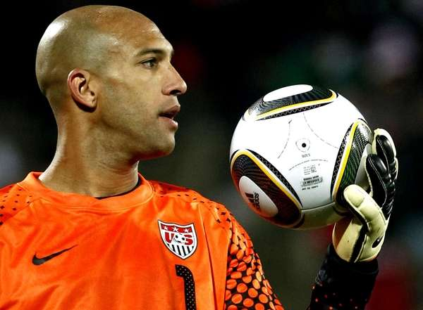 Tim Howard became the fourth goalkeeper to score