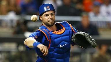 Catcher Kevin Plawecki of the Mets throws against