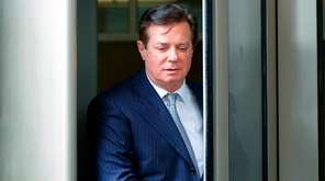 Paul Manafort leaves the federal courthouse in Washington