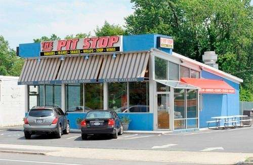 The Pit Stop (1706 Sunrise Hwy., Merrick): Viewers