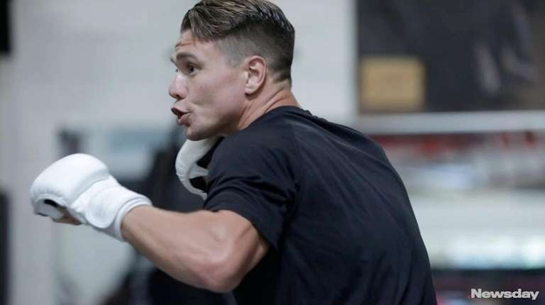 Lightweight Chris Wade talks about Thursday's Professional Fighters