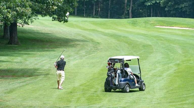 Dix Hills Park Golf Course is shown on