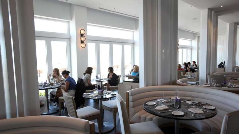 The Allegria Hotel in Long Beach serves a
