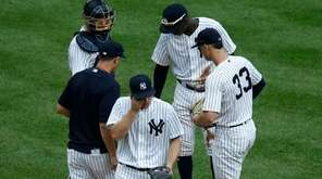 Yankees pitcher Sonny Gray leaves a game against