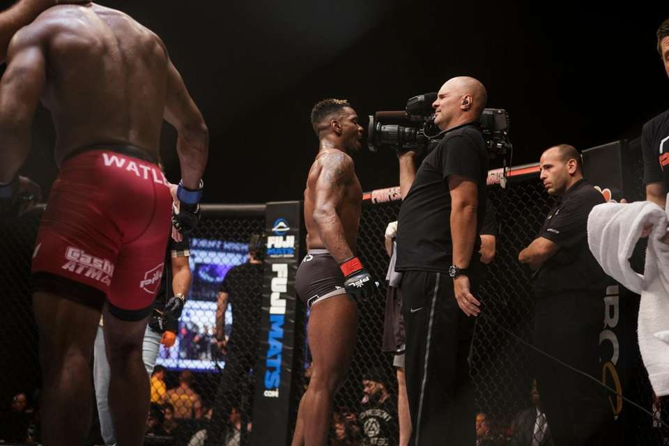 Will Brooks fights Robert Watley during a PFL5