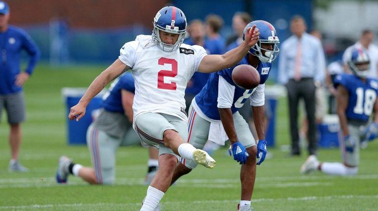 New York Giants kicker Aldrick Rosas (2) kicks