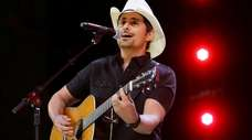 Brad Paisley performs at the graduation for