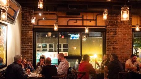 The dining room at Crabtree's NY & Main