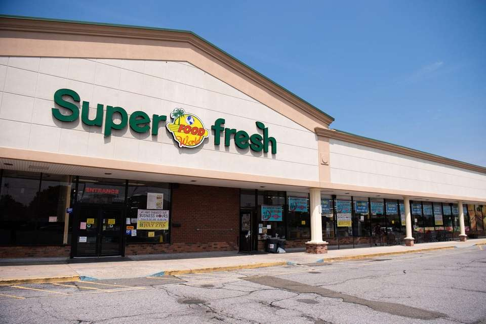 Super Fresh Food World is closing; it's the