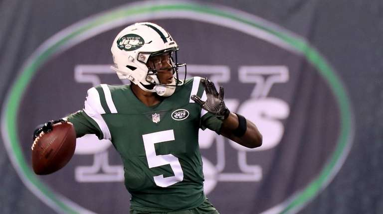 timeless design 0f7fb b77a9 Sam Darnold stars, but Teddy Bridgewater looks sharp for ...