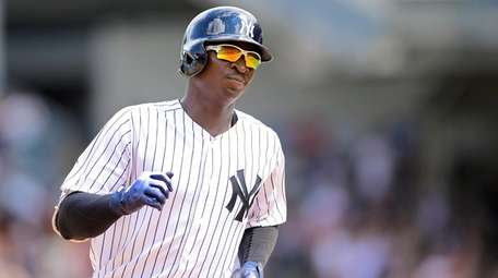 Didi Gregorius of the Yankees rounds the bases