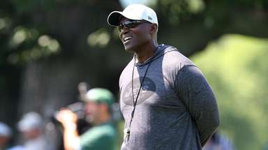 Head coach Todd Bowles of the Jets looks