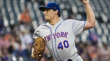 Jason Vargas of the Mets pitches against the