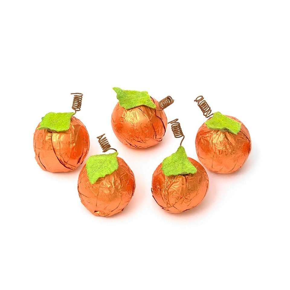 The adorable, gift-worthy pumpkins feature five rich truffles