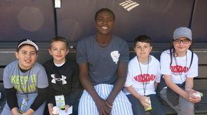 Yankees shortstop Didi Gregorius with Kidsday reporters, from