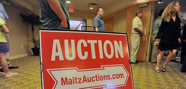 A loan auction in Plainview on Wednesday