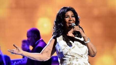 Aretha Franklin performs at the