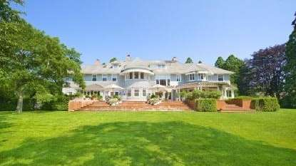 The former East Hampton home of Chevy Chase