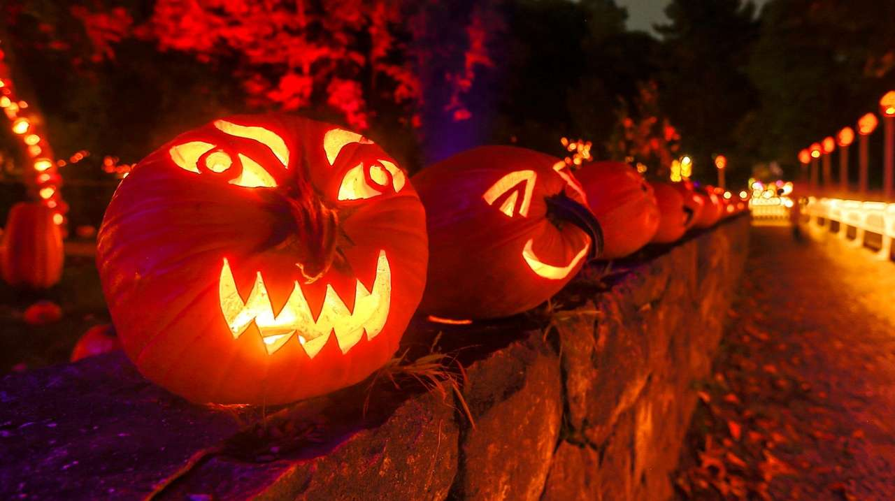 9 Illuminating Jack-o-Lantern Festivals to Visit This October recommend