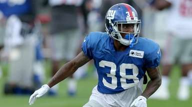 Giants cornerback Donte Deayon (38) drops into coverage
