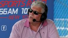 WFAN host Mike Francesa interviews Giants players for