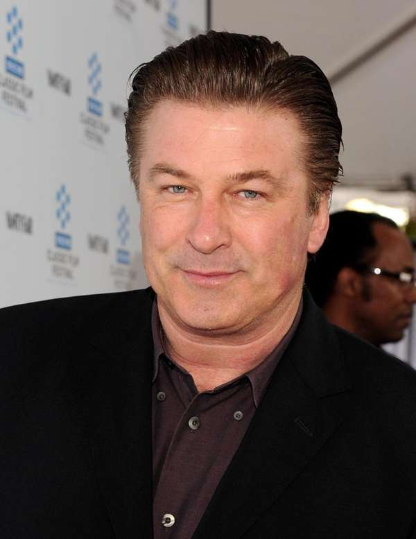 HOLLYWOOD - APRIL 22: Actor Alec Baldwin arrives