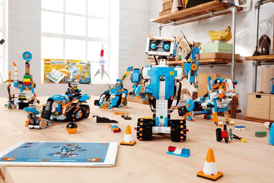 WHAT IT DOES Lego has long offered Mindstorms,
