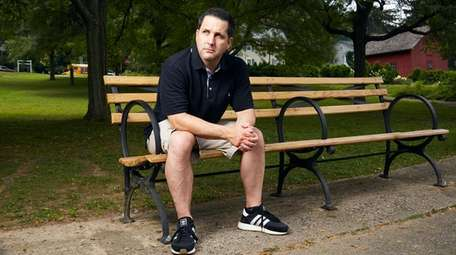ESPN's Adam Schefter will read from his memoir