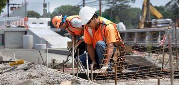 Crews work last week to complete the LIRR's