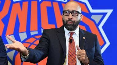 New Knicks head coach David Fizdale answers questions